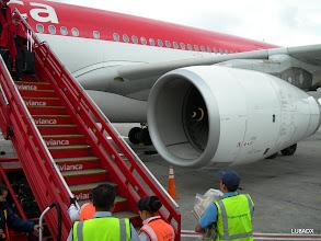 Photo: Aeropuerto de Bogota, abordando el Airbus A318 hacia Curazao