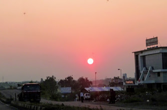 Photo: Diwali holiday is over, start of a new week of the new year. The photo is a sunrise on the Day 1 of Diwali week, taken on the way to Akola at nowhere in Maharashtra. Every trip of traveling across Maharashtra state let me learn that India's majority of population live in the countryside, and their lives are not as easy as we imagine being in the city. 27th October updated (日本語はこちら) - http://asksiddhi.in/blog/display/11/view