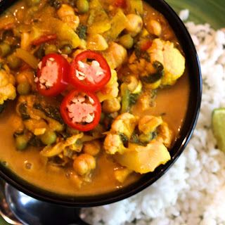 Vegan Curry Recipe with Chickpeas and Sweet Basil.