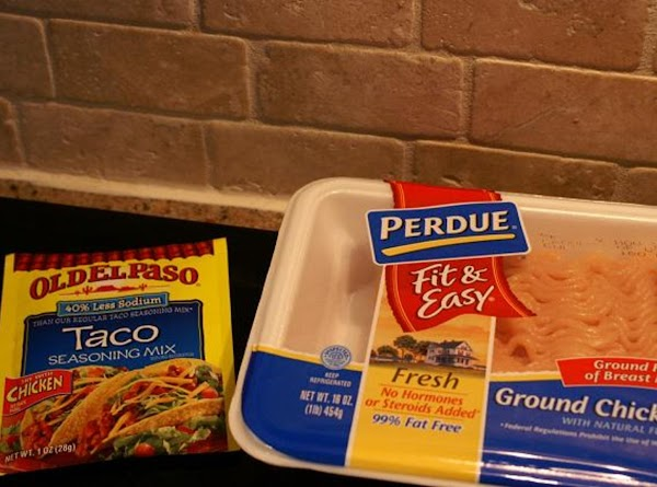 Saute/fry/whatever the ground chicken as you would ground beef. You can follow the packet...