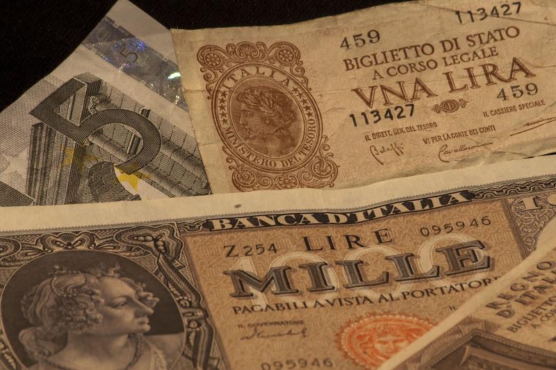10682.35 lire  (o 5.52 euro...) di Andrea Calò