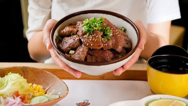 小林食堂日式定食南屏店-平澎派超大份量的炭火直烤日式定食專賣