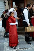 Photo: Vestido Eduardiano vermelho em musseline sanjan, veludo e renda.   Site: http://www.josetteblanchard.com/  Facebook: https://www.facebook.com/JosetteBlanchardCorsets/  Email: josetteblanchardcorsets@gmail.com josetteblanchardcorsets@hotmail.com