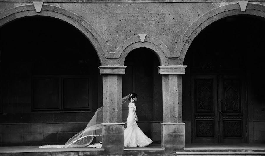 Wedding photographer Denis Aliferenko (Alifer). Photo of 09.04.2019