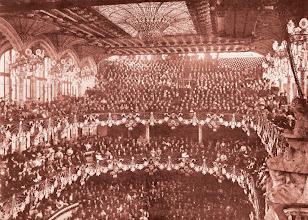 Photo: El Palau de la Música Catalana el dia de la seva inauguració el 9 de febrer de 1908