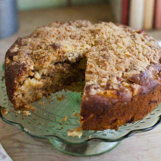 Irish Apple Crumble Cake