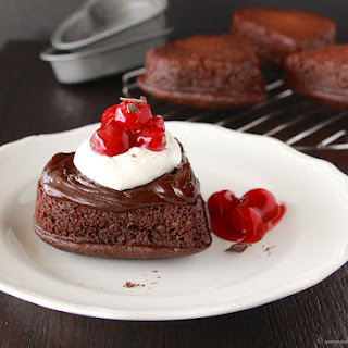 Black Forest Sweetheart Petite Cakes