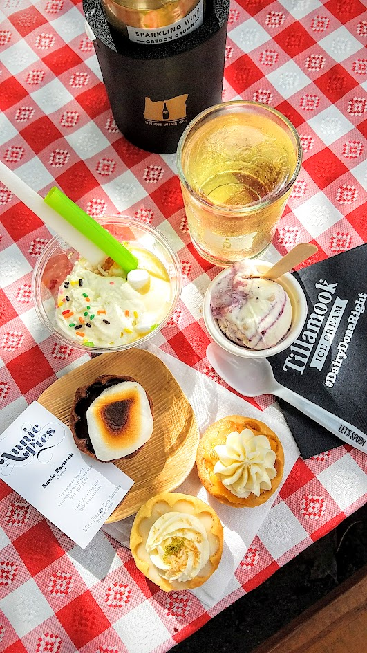 Desserts by Annie's Pies, Tillamook, and Mika Paredes of Girls Club at Feast PDX Go Get You Some Picnic washed down by some Union Wine Co sparkling wine