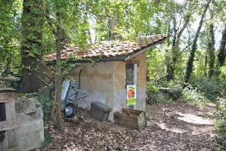 Photo: La cabane à outils.