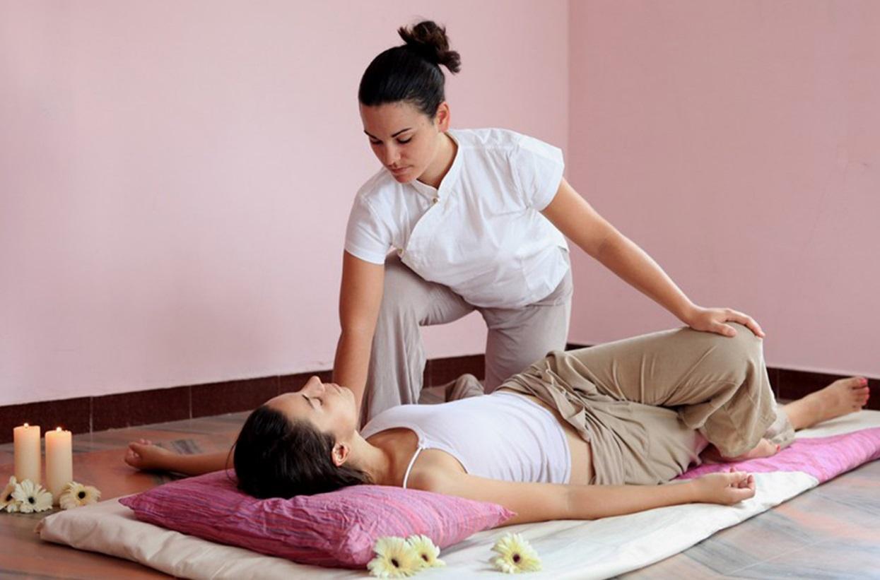 Девушка пришла просто на массаж фото 372-896