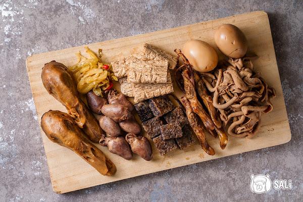 阿田魯味|台中乾式滷味推薦,自魯自賣40年老店,台中火車站美食