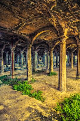 Colonne Ex Cementificio di Antonio Piazza