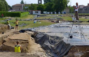 Photo: Archaelogists at work - documenting a Roman site in Villeneuve-sur-Lot.