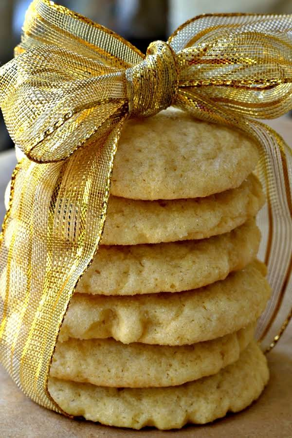 These Sugar Cookies Have Crispy Edges And Soft Yet Somewhat Chewy Centers. They Are Delicious And Easy To Make.