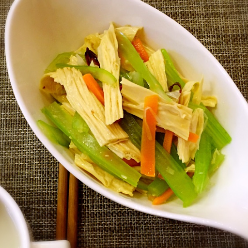 Celery with Dry Tofu Curd 西芹腐竹