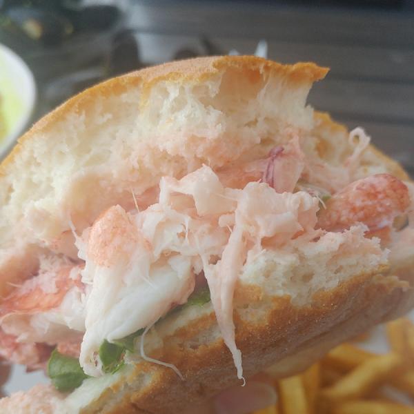 GF DF lobster roll