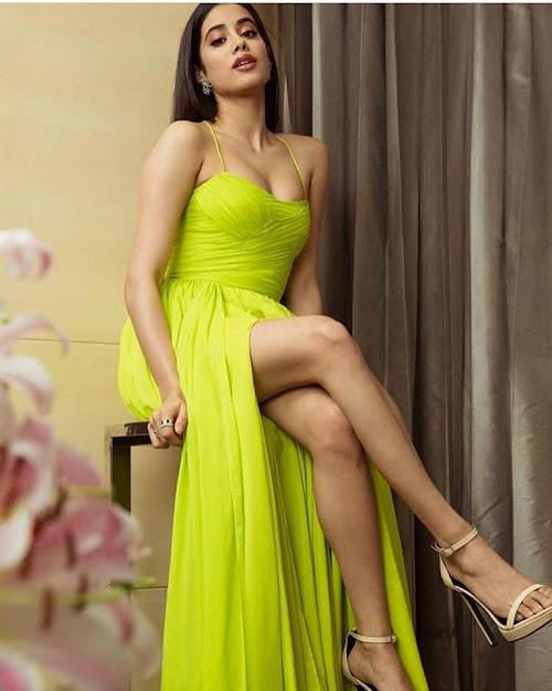 Janhvi Kapoor feet, Janhvi Kapoor highe heels, Janhvi Kapoor in green, Janhvi Kapoor in gown, Janhvi Kapoor fashion, Janhvi Kapoor sandals