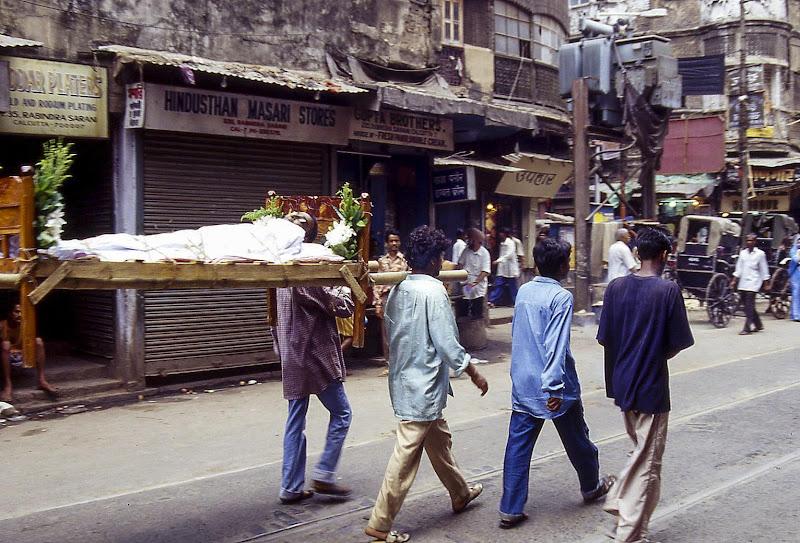 Funerale in strada di leorol