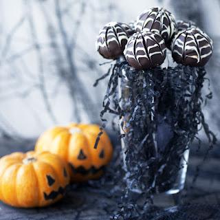 Halloween Spider Web Truffles (Vegan & Gluten-free).