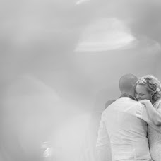 Wedding photographer Szabolcs Sipos (siposszabolcs). Photo of 19.10.2014