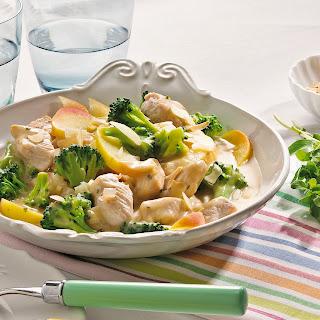 Putenfrikassee in Apfel-Broccoli-Sauce