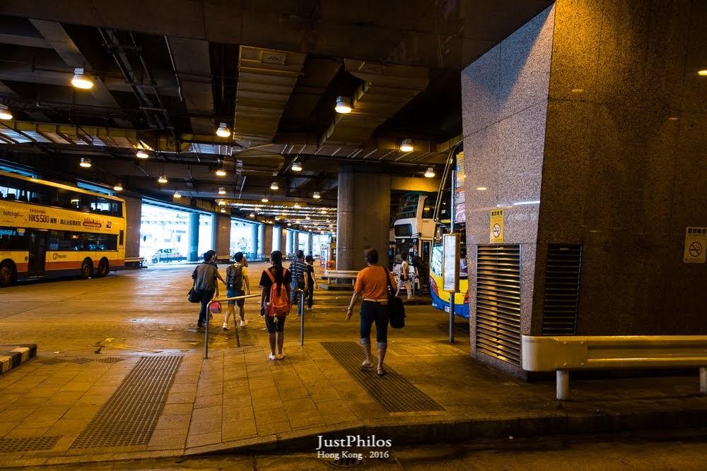 中環交易廣場巴士總站,因為車子滿多的,可能要找一下站牌在哪。