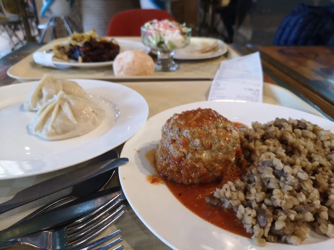 restaurantes donde comer en moscu barato