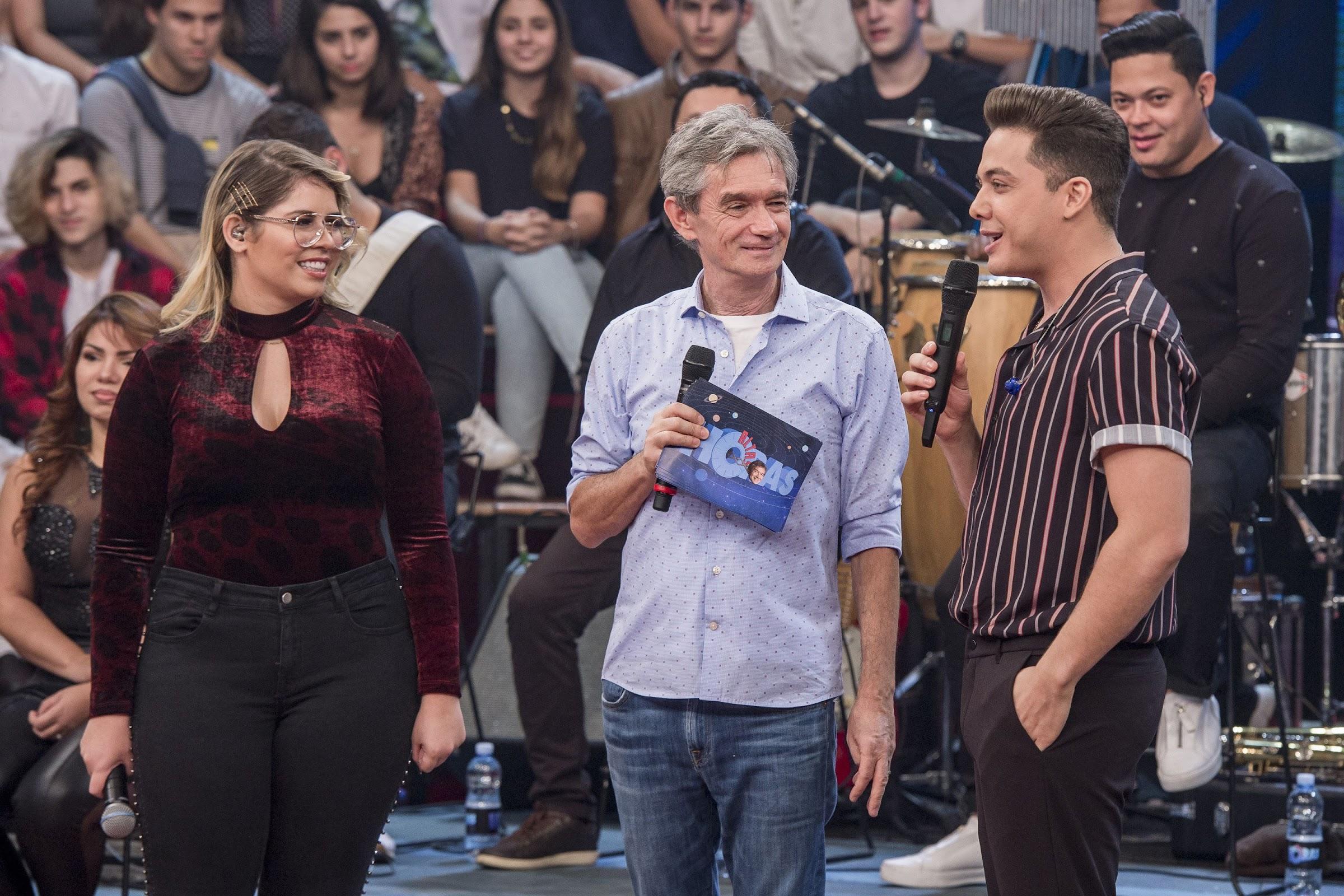 Marília Mendonça, Sergio Groisman e Wesley Safadão no Altas Horas