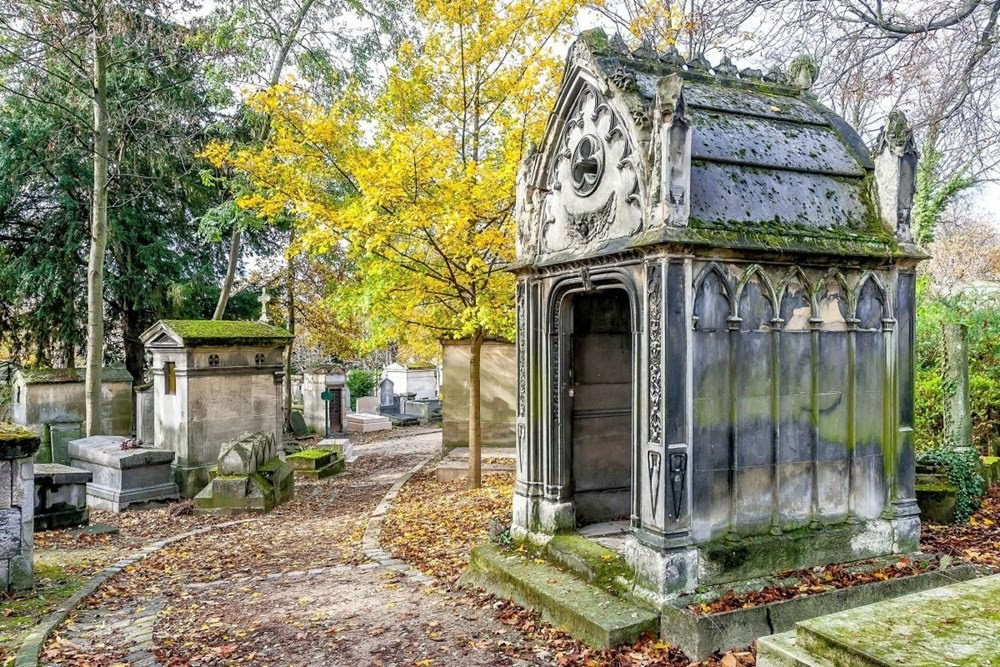 Père-Lachaise, onde os mortos nunca descansam