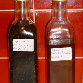 Home Infused Flavoured Olive Oil – Cracked Black Pepper and Roasted Garlic.