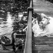 Wedding photographer Alin Pirvu (AlinPirvu). Photo of 18.10.2017