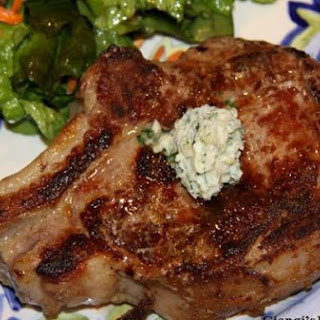 STEAK WITH LEMON-ORANGE HORSERADISH BUTTER