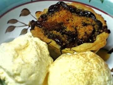 Spiced Rum Caramel Apple Mini Pies