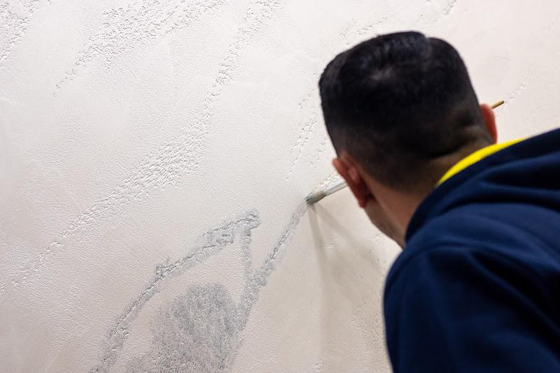 Dipingere le mura di casa di ValentinaGiuca