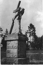 Photo: 12. Figura wyk. przez Antoniego Suchorowskiego w 1933. Monument made by Antoni Suchorowski in 1933.