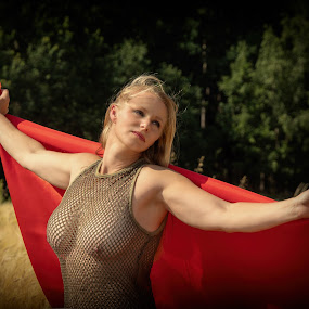 The red cloth by Klaus Müller - People Portraits of Women ( red, woman, portrait,  )