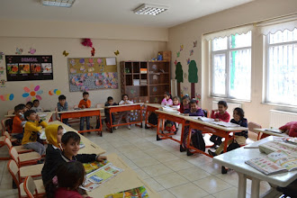 Photo: Inside the primary Kurdish school in Amed