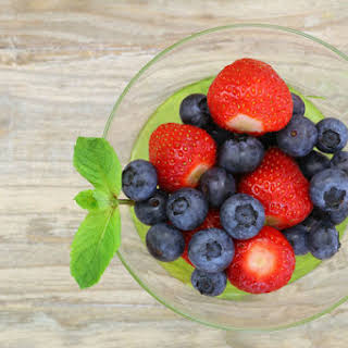 The 21-Day Weight Loss Breakthrough Diet Go-To Berries.