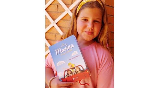 Marina, joven promesa de la literatura, publica su primer libro con once años