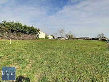 terrain à Saint-Varent (79)