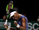 Williams-zussen tegen mekaar nadat Venus de maat neemt van Azarenka in Lexington
