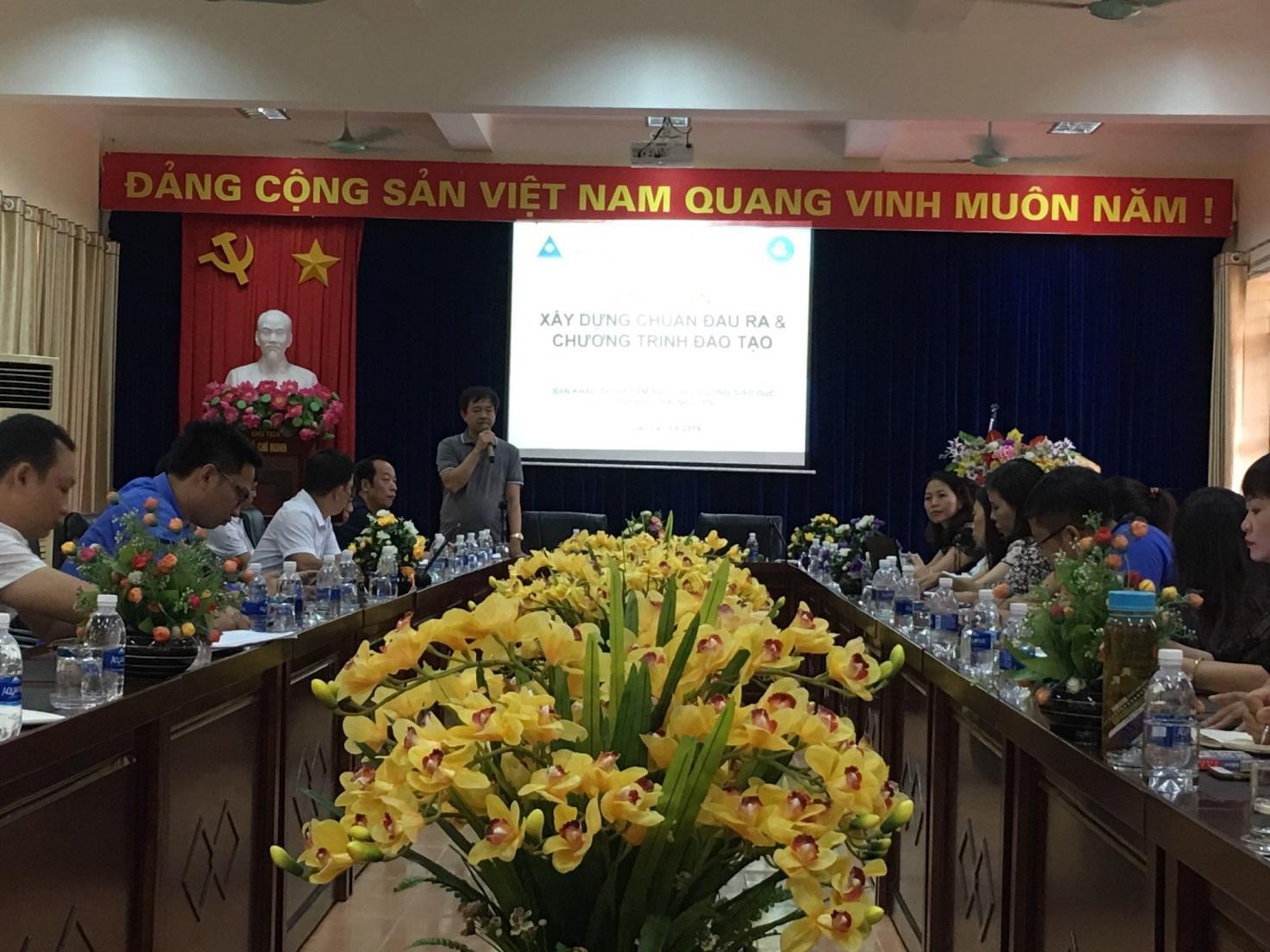 Hội nghị tập huấn xây dựng chuẩn đầu ra các ngành đào tạo của Phân hiệu Đại học Thái Nguyên tại tỉnh Lào Cai đáp ứng nhu cầu xã hội