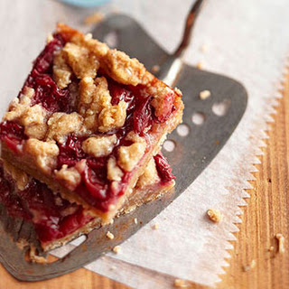 Cherry Crumble Pie Bars