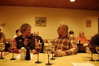 Photo: Sibyille und Sepp im Gespräch