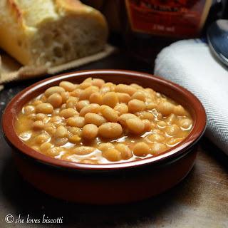Homemade Quebec Maple Baked Beans #SundaySupper