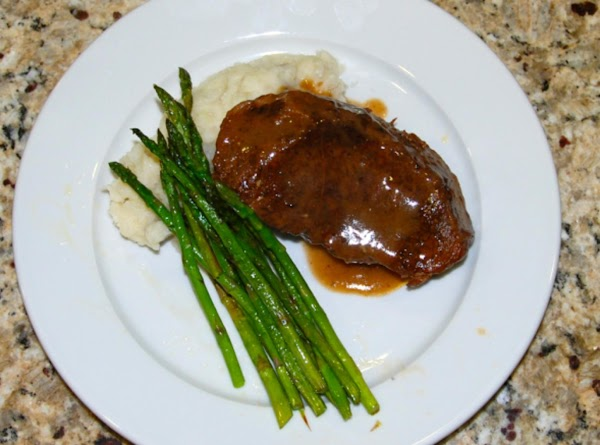 Serve with a creamy polenta or mashed potatoes and grilled asparagus. YUM!!!