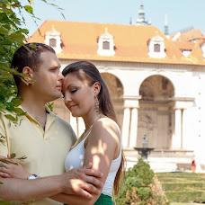 Wedding photographer Vladimir Mezin (vladimirM). Photo of 21.04.2017