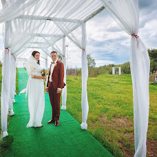 Wedding photographer Mikhail Pivovarov (stray). Photo of 29.04.2016
