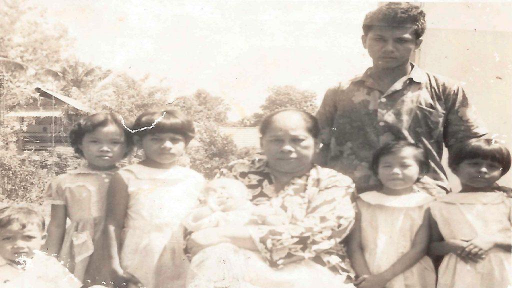 Che Zahara and her son Haji Mohamed Nazeer Alal Mohamed Russull with vulnerable children