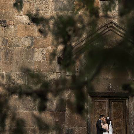 Wedding photographer Aram Melikyan (Arammelikyan). Photo of 30.11.2017